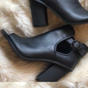 Forever 21 Black Open Toe Booties